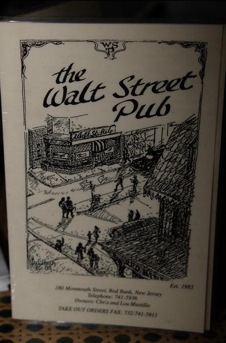 051209, Signs, Walt Street Pub (NJ)