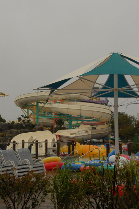 060902, Tropical, Storms, bring, rain, Breakwater Beach (NJ), Theme, or, water, Parks, Rides