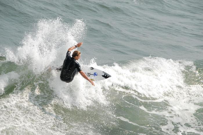 060910, Hanging, In, Seaside, Casino Pier, Surfing, ()