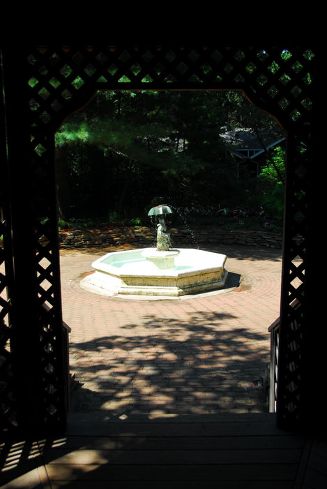 fountain, gazebo