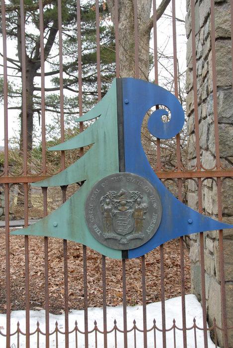 gate, seal, snow