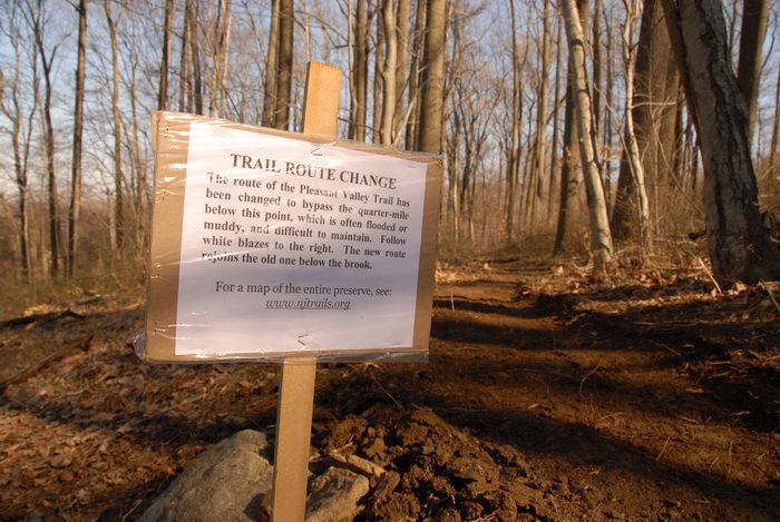NJ Trail Association, Trail Maintenance, trail, trail sign, woods