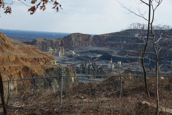Stavola Quarry, fence, quarry, scenic overlook