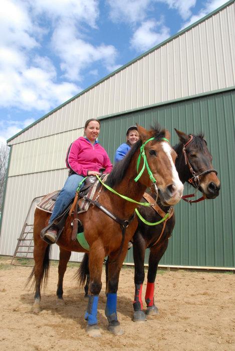 Danielle, barn, horse
