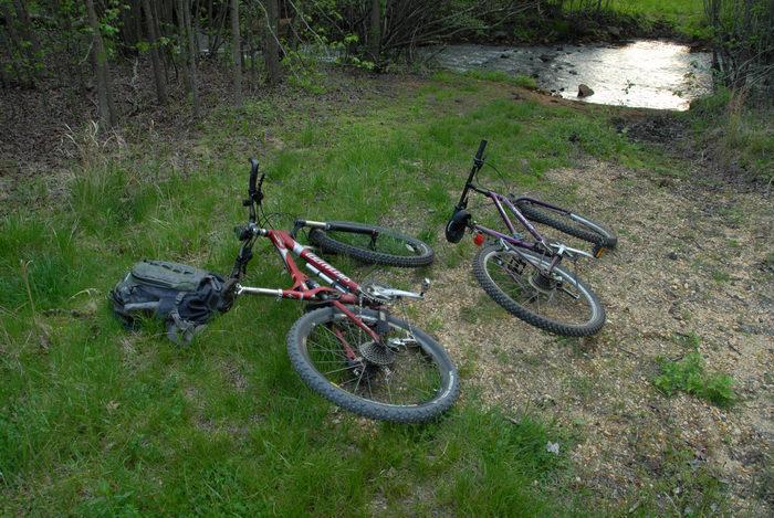 Specialized FSR XC Comp, grass, mountain bike, water