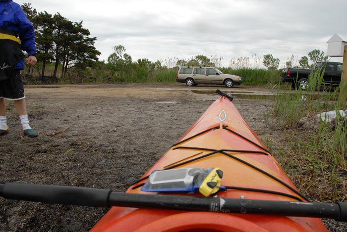 Dagger Blackwater 11.5, Garmin Colorado 400t, Rob, cars, dry bag, kayak, parking