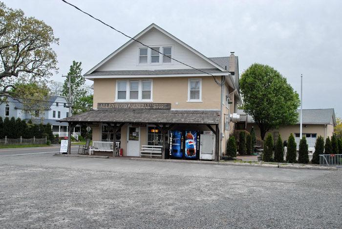 Allenwood General Store, building, gravel, parking lot