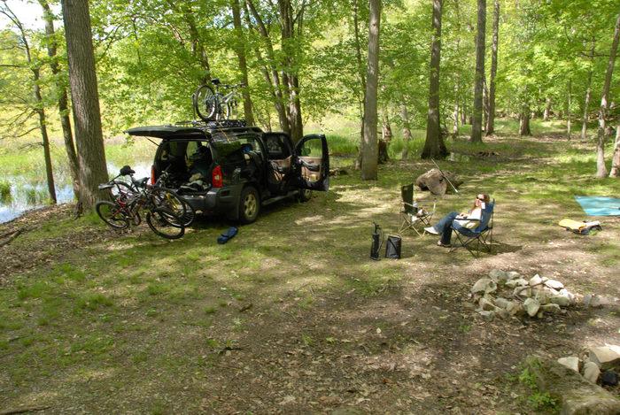 2006 Nissan Xterra, Jackie, bike, camping, woods