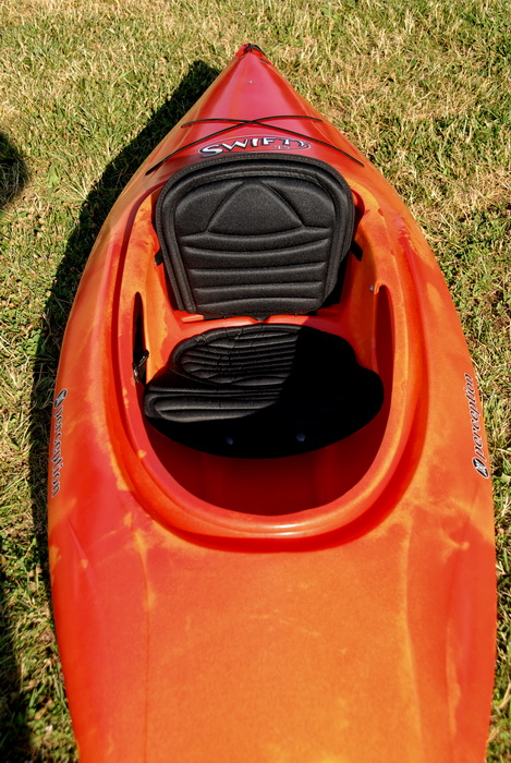 2008 9.5 foot Swifty, grass, kayak, seating