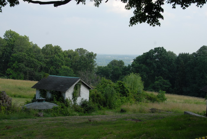 scenic overlook, building, field, trees, house, structure