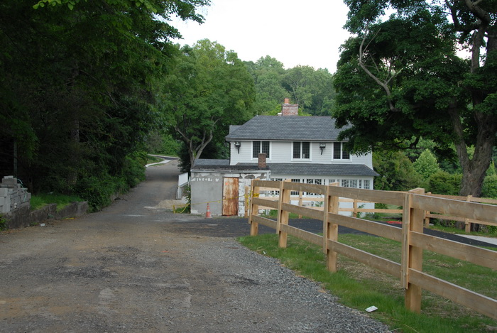 construction, fence, dirt road, parking, house, structure