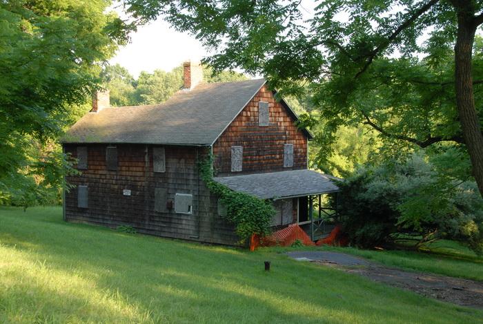 old farmhouse, grass, trees