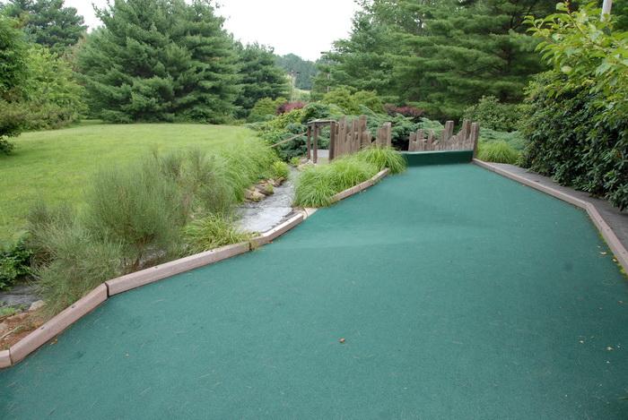 golf green, grass, minigolf, trees, water, bushes