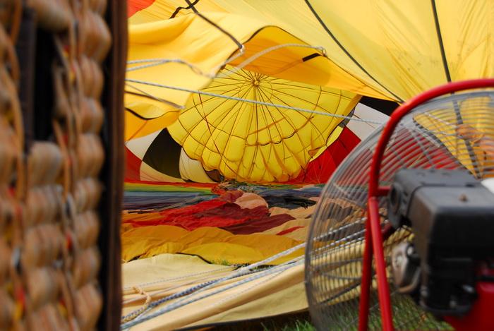 inside balloon, hot air balloon, fan, inflating