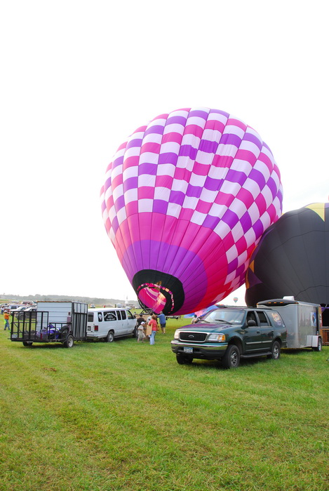 grass, trucks, field, inflatig, hot air balloon