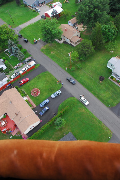 looking down, people, road, cas, yards, grass