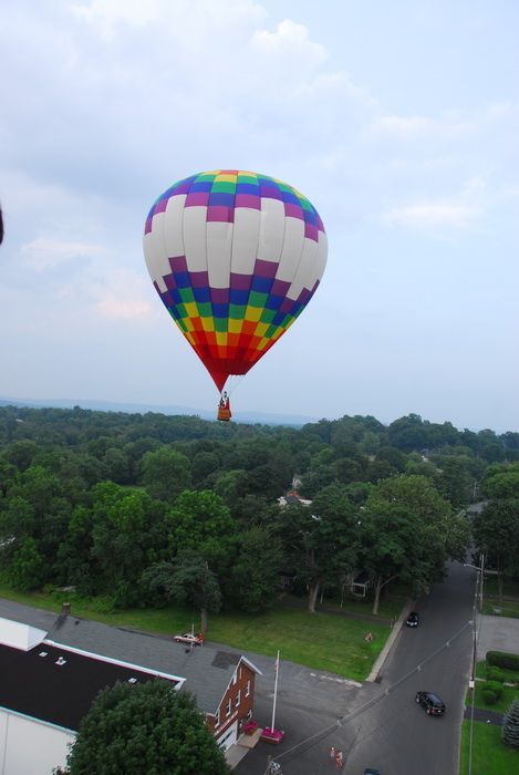 hot air balloon, floating, flight, road, car, trees, building