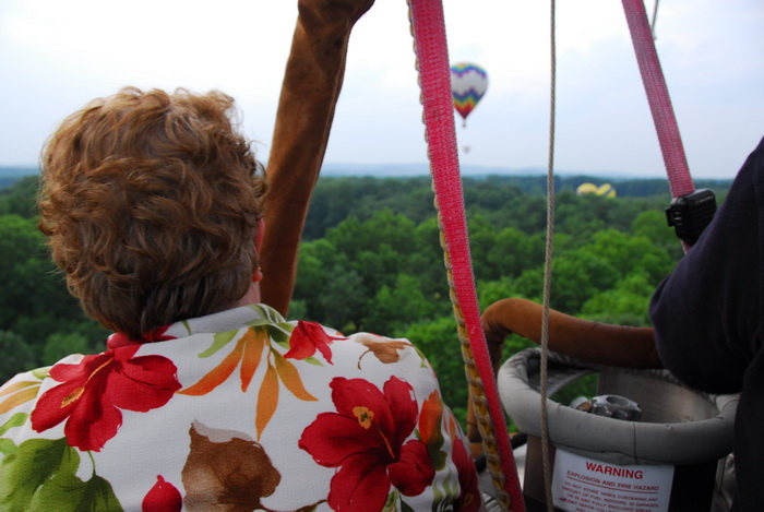 floating, hot air balloon, up in the air, mom