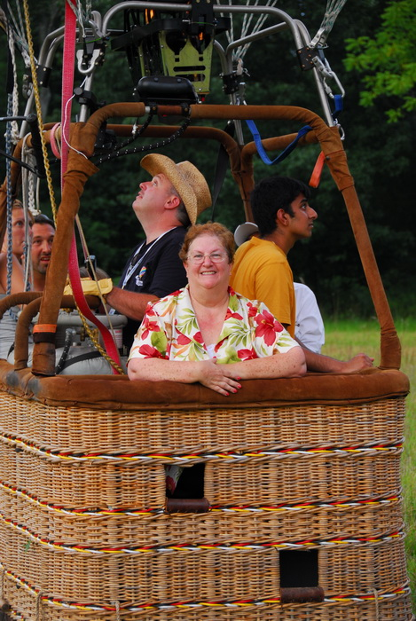 basket, hot air balloon, people, mom