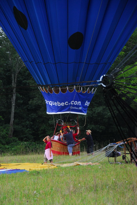 flight, floating, hot air balloon, interesting shape, landing