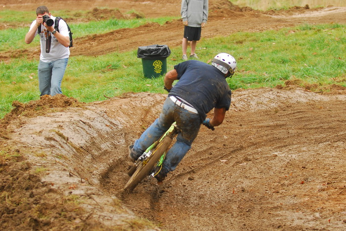 downhill mountain bike track, mountain bike, mountain bikers, mud, racing, photographer