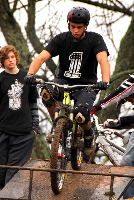 downhill mountain bike track, mountain bike, mountain bikers, mud, racing, starting gate