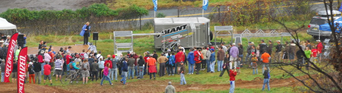 crowd, Jeff Lonesky trails, grass, mud, Giant trailers