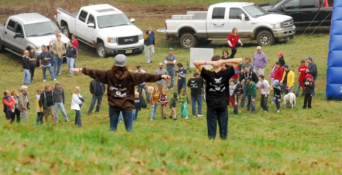 race, king of the mountain, kids, helpers