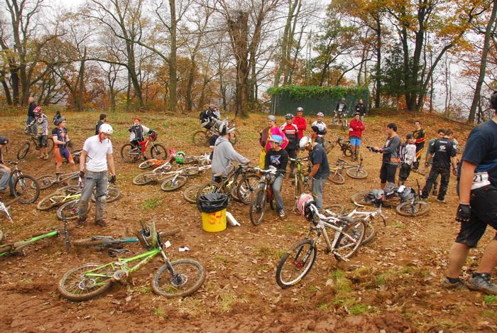 mountain bike, mountain bikers, racer, racing