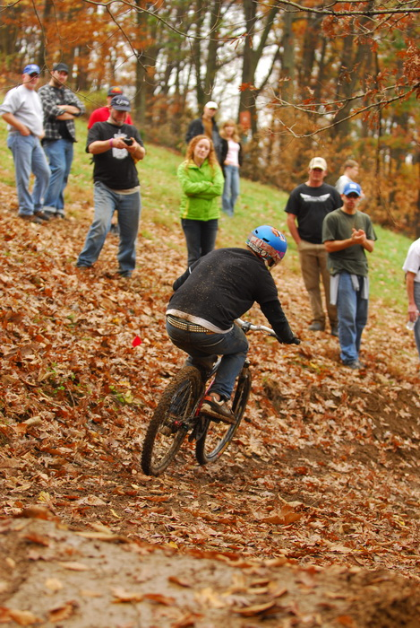 downhill mountain bike track, mountain bike, mountain bikers, racing