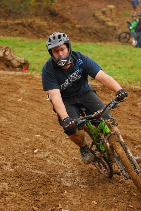 downhill mountain bike track, mountain bike, mountain bikers, racing, mud
