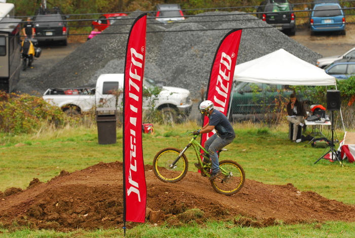 downhill mountain bike track, mountain bike, mountain bikers, mud, racing, flags, canopy