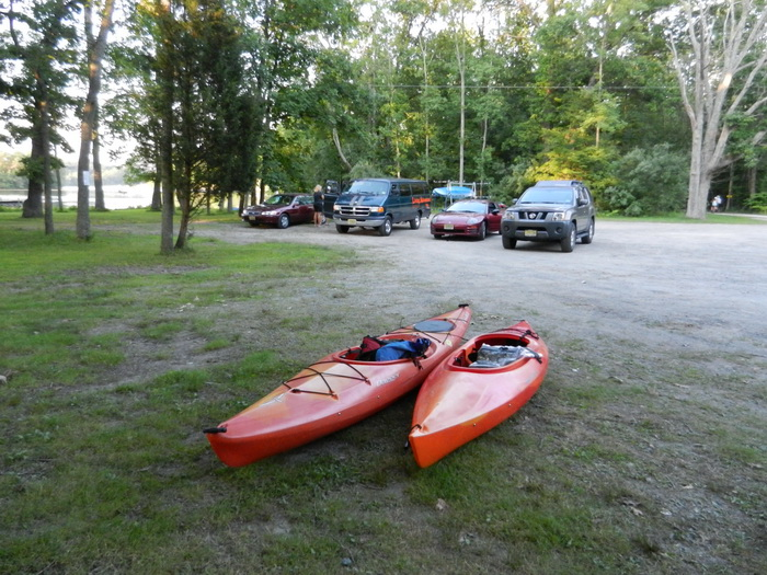 woods, trees, caras, parking lot, Swartswood SP, kayaks, grass, dirt